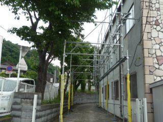 倉庫外壁塗装用足場(安全通路確保)