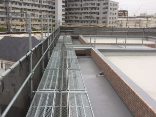 屋上ステージ足場
